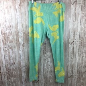 Lularoe Tall & Curvy Green Cat Print Leggings